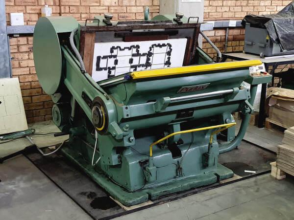 Die Cutting & Cropping Machine